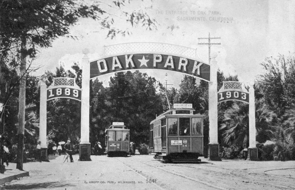 Oak Park Original arch with street cars